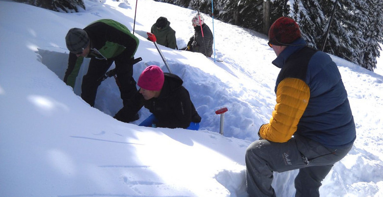 Avalanche Safety - Hope Mountain Centre