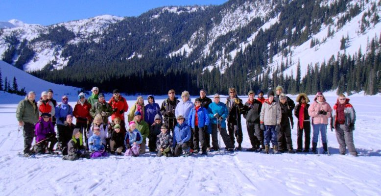 Family Snowshoe to Falls Lake