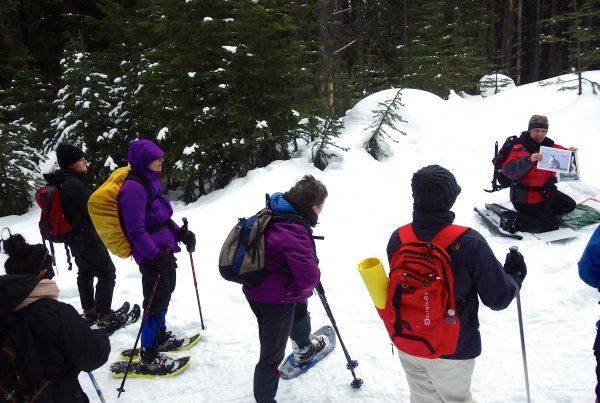 Women's snowshoe Cambie Creek